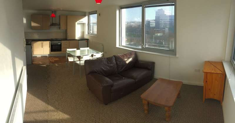 2 Bedrooms Flat for rent in Bispham House, Lace Street (off Great Crosshall Street), Liverpool City Centre, L3