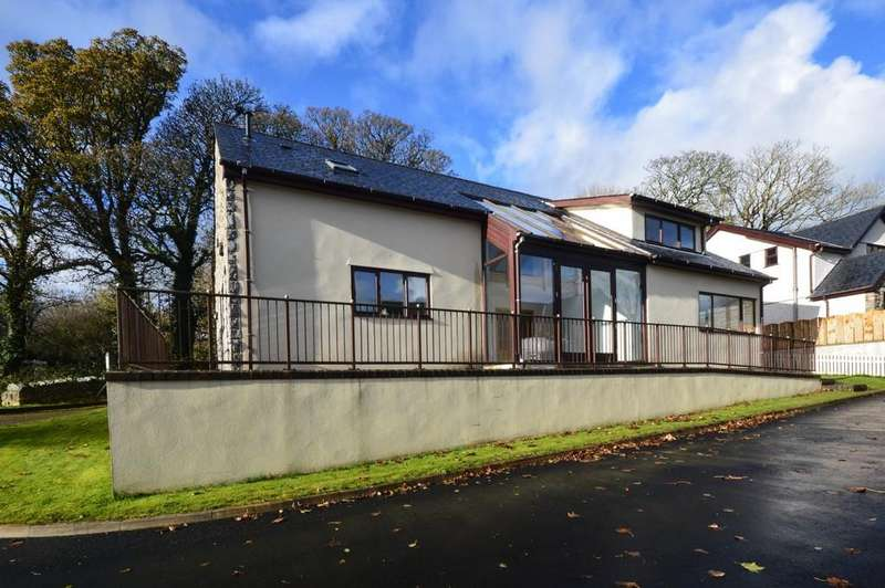 3 Bedrooms Detached House for sale in Cae'r Eurych, Llangristioulus, North Wales