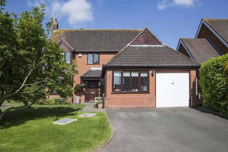 4 Bedrooms Detached House for sale in Showell Close, Droitwich, Worcestershire, WR9