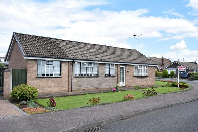 4 Bedrooms Detached Bungalow for sale in Pavilion Gardens, New Houghton