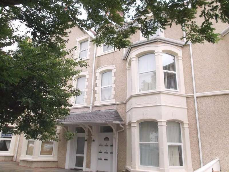 2 Bedrooms Apartment Flat for sale in Chapel Street, Llandudno