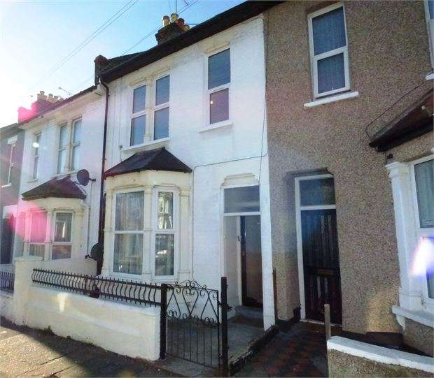 1 Bedroom Apartment Flat for sale in Albert Road, Southend on sea, SS1 2HF