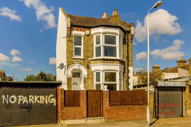 4 Bedrooms House for sale in St Antonys Road, Forest Gate, E7