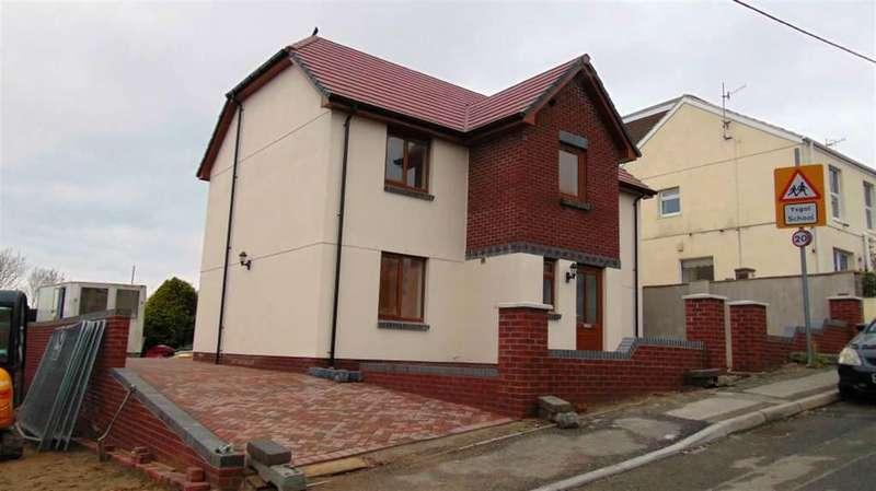 4 Bedrooms Detached House for sale in School Road, Llanelli