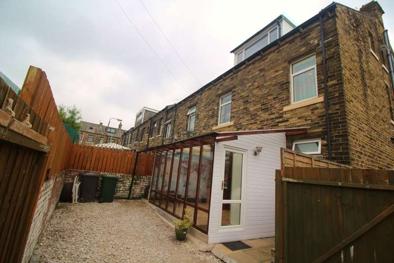 3 Bedrooms Property for sale in Haycliffe Hill Road, Bradford, BD5