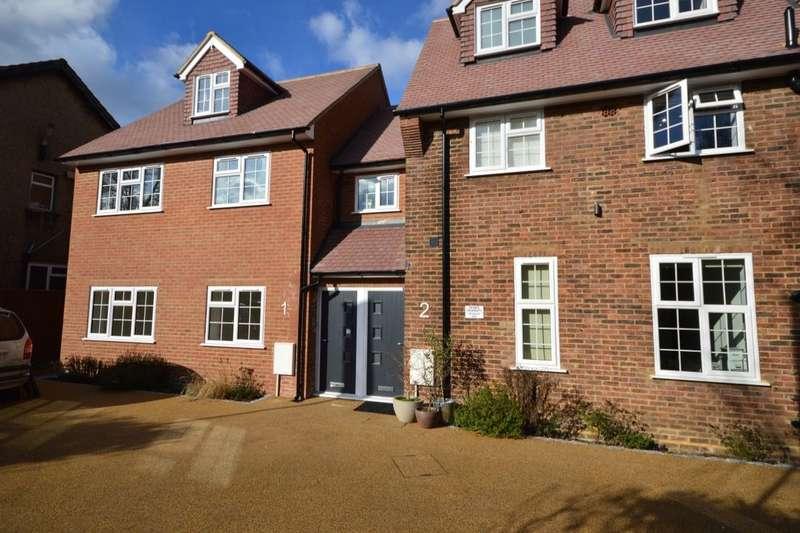 2 Bedrooms Flat for sale in Montagu Gardens, Wallington, SM6
