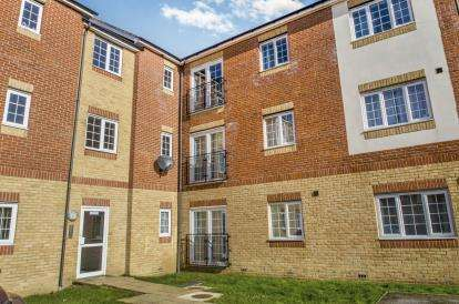 2 Bedrooms Flat for sale in Cannock Road, Corby, Northamptonshire, England