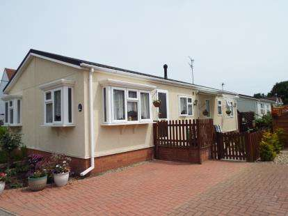 2 Bedrooms House for sale in Flag Hill, Great Bentley, Colchester