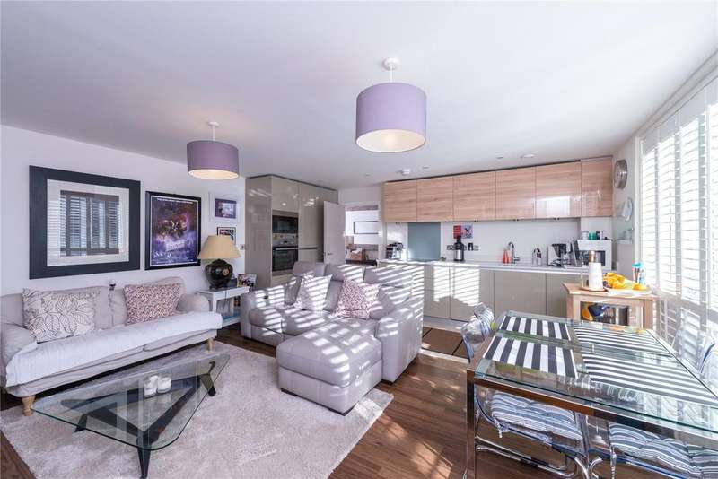 3 Bedrooms Flat for sale in Drummond Court, Palmerston Road, Acton, London