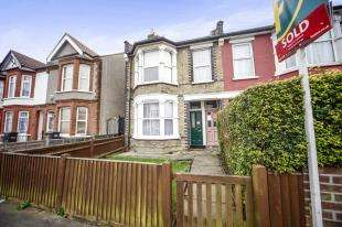 2 Bedrooms Maisonette Flat for sale in Totton Road, Thornton Heath