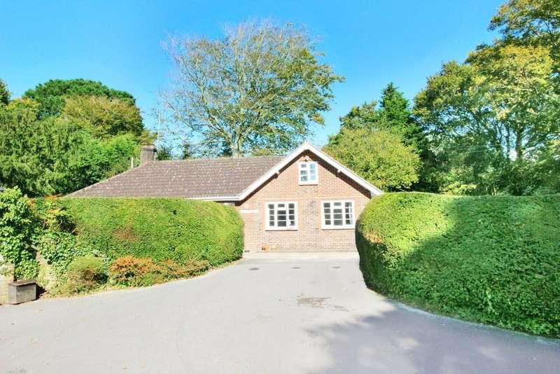 3 Bedrooms Detached Bungalow for sale in Storrington