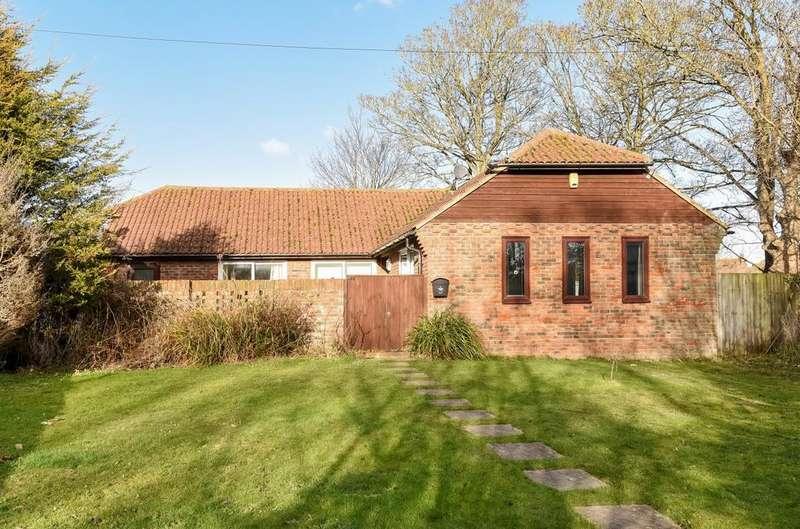3 Bedrooms Detached Bungalow for sale in Middleton Road, Middleton-on-Sea, Bognor Regis, PO22