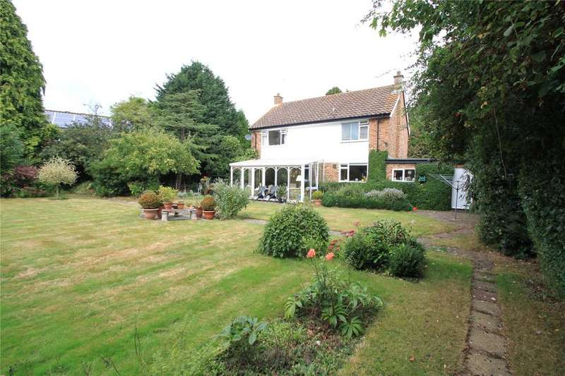 4 Bedrooms Detached House for sale in Hadlow Park, Hadlow, Tonbridge, Kent