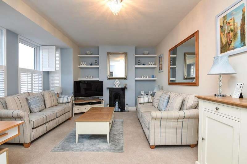 4 Bedrooms Terraced House for sale in Longley Road, Tooting, SW17