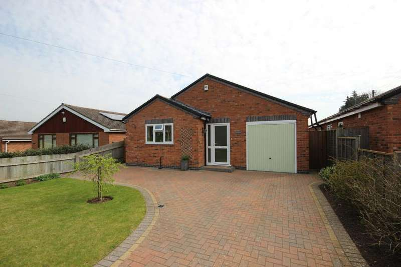 3 Bedrooms Detached Bungalow for sale in Upper Street, Defford, Worcester, WR8