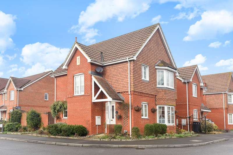 3 Bedrooms Detached House for sale in Highpath Way, Basingstoke, RG24