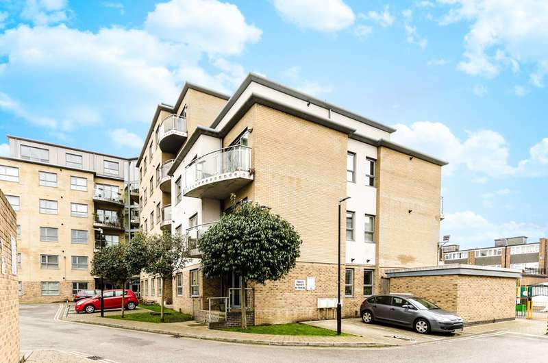 2 Bedrooms Flat for sale in Thomas Jacomb Place, Walthamstow, E17