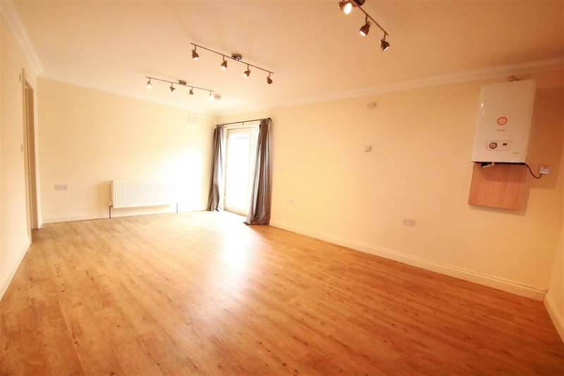 Apartment Flat for sale in Selsdon Road, South Croydon