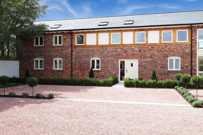 3 Bedrooms Barn Conversion Character Property for sale in 33 The Courtyard, Stretton Green, Tilson, Cheshire