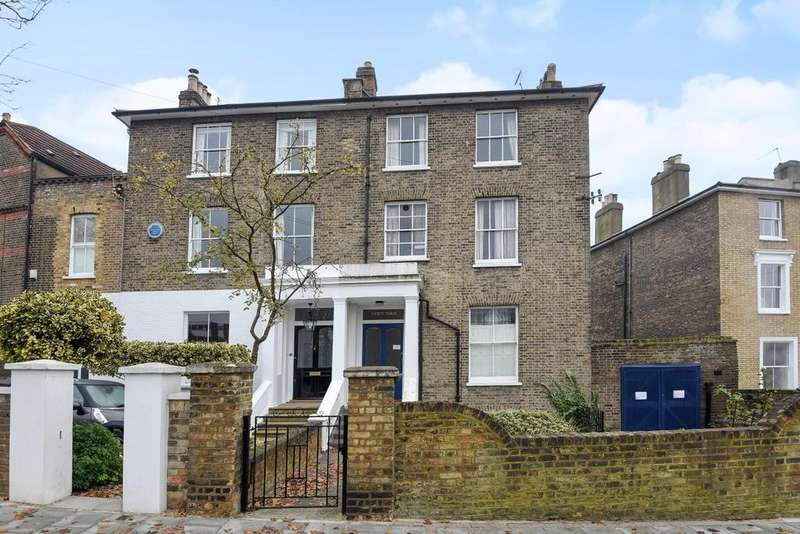 3 Bedrooms Flat for sale in Wimbledon Park Road, Southfields, SW18
