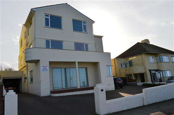 2 Bedrooms Apartment Flat for sale in Palm Bay Avenue, Margate