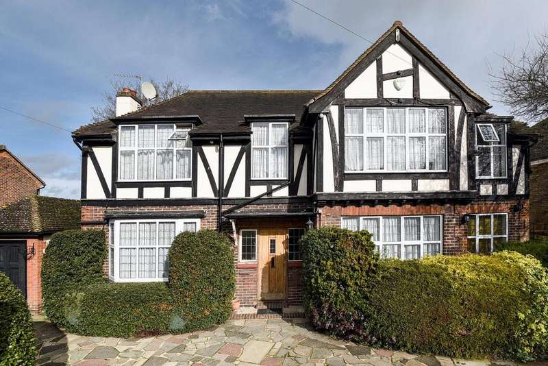 5 Bedrooms Detached House for sale in Highfield Road, Chislehurst, BR7