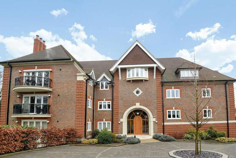 2 Bedrooms Flat for sale in Greenways, Beckenham, BR3
