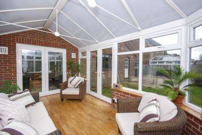 4 Bedrooms Detached House for sale in Porchfield, Newport, Isle Of Wight