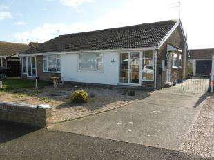 2 Bedrooms Bungalow for sale in Laurel Avenue, St. Marys Bay, Romney Marsh
