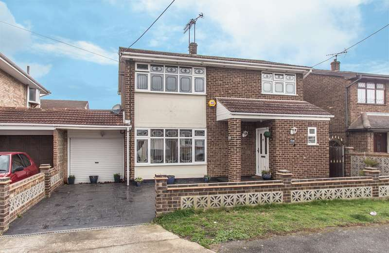 3 Bedrooms Detached House for sale in Brandenburg Road, Canvey Island, SS8