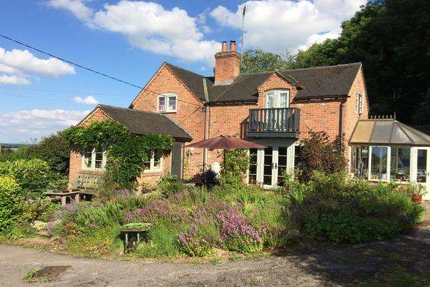 4 Bedrooms Cottage House for sale in Marchington Cliff, Uttoxeter, ST14
