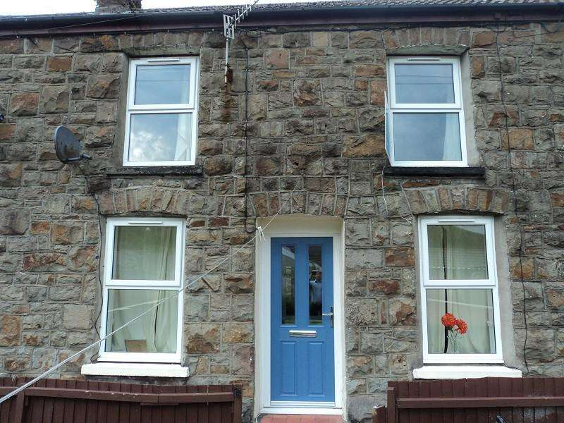 2 Bedrooms Terraced House for sale in Cardigan Terrace, Nantymoel, Bridgend. CF32 7NH