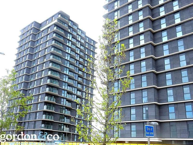3 Bedrooms Flat for sale in Glasshouse Gardens, Stratford, London, E20