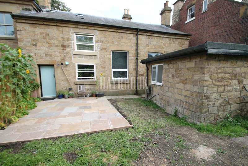 3 Bedrooms Semi Detached House for sale in Church Street, Eckington
