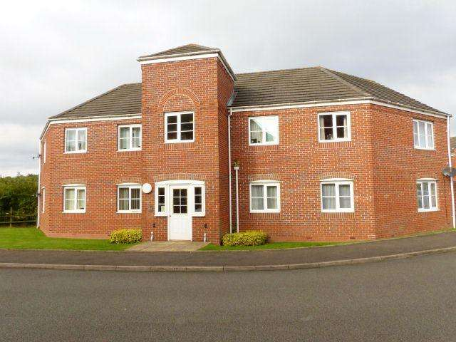 2 Bedrooms Ground Flat for sale in Windrush Close,Pelsall,Walsall