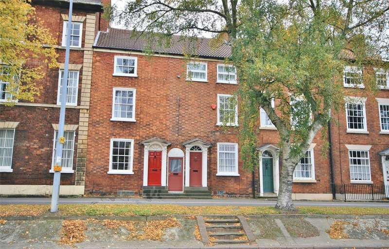4 Bedrooms Terraced House for sale in North Parade, Grantham, NG31