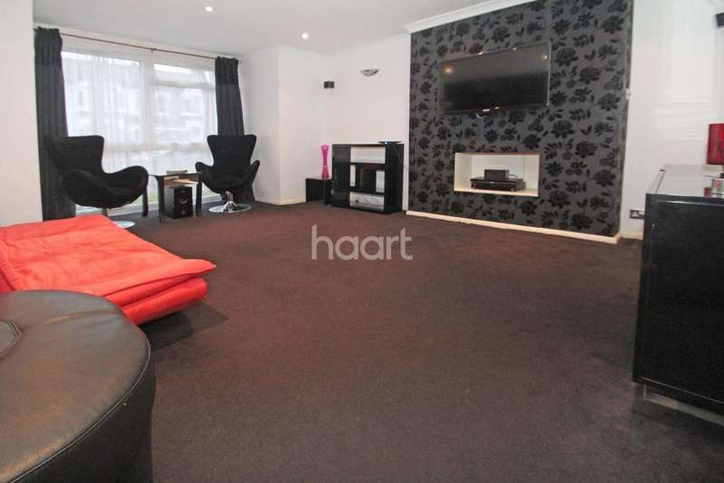 1 Bedroom Flat for sale in Grove Hill
