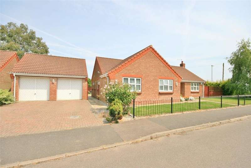 3 Bedrooms Detached Bungalow for sale in Strawberry Fields Drive, Holbeach St Marks, PE12