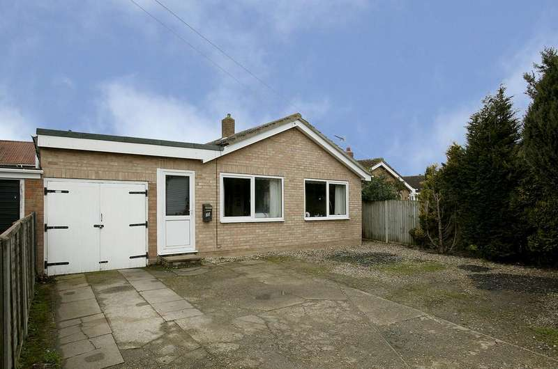 3 Bedrooms Detached Bungalow for sale in Recreation Road, Hethersett
