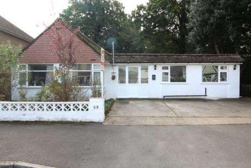 4 Bedrooms Detached Bungalow for sale in Ashford Avenue, Ashford, TW15
