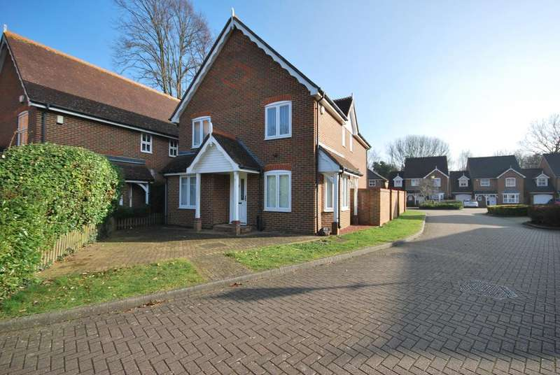 3 Bedrooms Detached House for sale in D'Arcy Place Bromley BR2