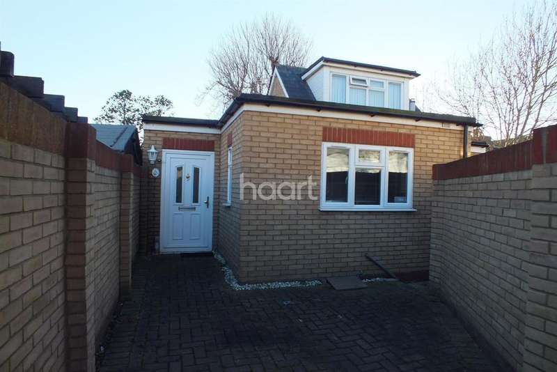 1 Bedroom Detached House for sale in Glendale Gardens, Leigh on sea