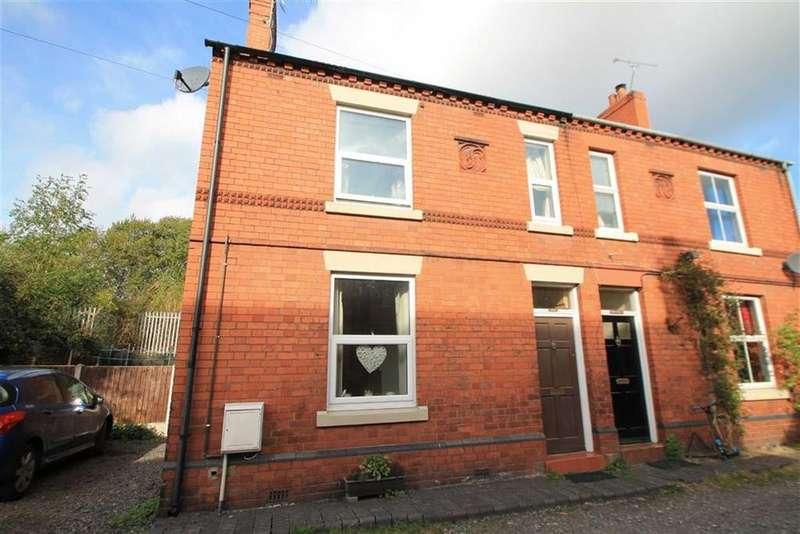 3 Bedrooms Semi Detached House for sale in Queen Street, Ruabon, Wrexham