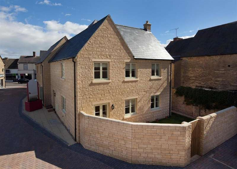 4 Bedrooms End Of Terrace House for sale in Kernahan Way, Witney
