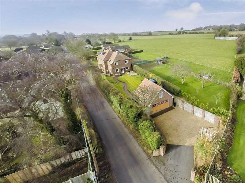4 Bedrooms Detached House for sale in Tarrant Keynston, Blandford Forum