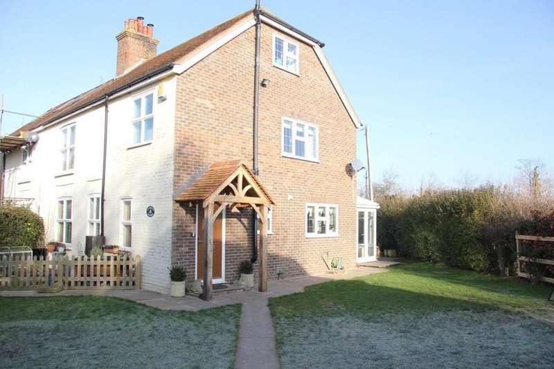 5 Bedrooms Semi Detached House for sale in Park Road, Hellingly