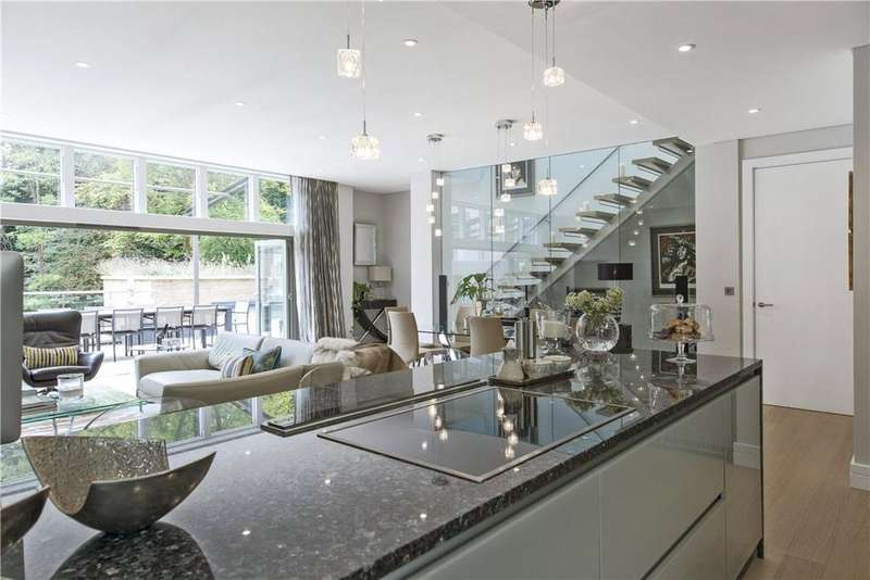 4 Bedrooms House for sale in Chantry Quarry, Guildford, Surrey, GU1