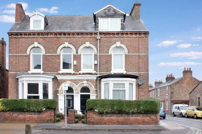 4 Bedrooms Semi Detached House for sale in lawrence Street York