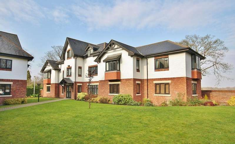 2 Bedrooms Apartment Flat for sale in Hunters Lodge, Hunters Close, Wilmslow