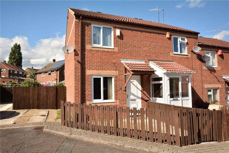 2 Bedrooms Terraced House for sale in Raynville Walk, Leeds, West Yorkshire